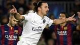 Zlatan Ibrahimović feiert den ersten Treffer im Duell zwischen Paris und Barcelona