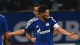 Klaas-Jan Huntelaar marcou os golos do Schalke nesta edição da UEFA Champions League