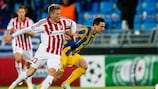 AaB goalscorer Nicolaj Thomsen (left) tussles with APOEL's Tomás De Vincenti during the first leg