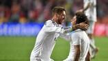 Marcelo y Sergio Ramos celebran uno de los goles del Madrid ante el Atlético
