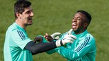 Real Madrid's Thibaut Courtois and Vinícius Júnior have fun in training