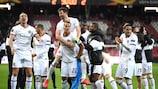 Die Eintracht feiert ihren Sieg im Rückspiel gegen Salzburg
