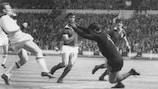 1962/63: Altafini strikes for Milan