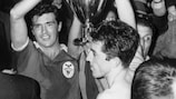José Águas lifts the trophy after Benfica's 1960/61 European Cup success