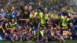 MONACO - AUGUST 28: The Barcelona team celebrate after victory in the UEFA Super Cup Final between FC Barcelona and Shakhtar Donetsk at The Stade Louis II Stadium on August 28, 2009 in Monaco, Monaco. (Photo by Laurence Griffiths/Getty Images)