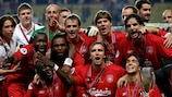 MONTE CARLO, MONACO - AUGUST 26: Liverpool players celebrate after winning the UEFA Super Cup match between Liverpool and CSKA Moscow at the Stade Louis II on August 26, 2005 in Monte Carlo, Monaco. (Photo by Paul Gilham/Getty Images)