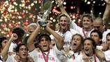 O Valência celebrou a conquista da Supertaça Europeia ante o FC Porto
