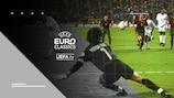 Zinedine Zidane face au gardien portugais Vitor Baia