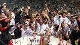 O Milan festeja a conquista da Supertaça Europeia de 2003