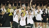 24 Aug 2001: The Liverpool team celebrate winning the UEFA European Super Cup final against Bayern Munich played at the Stade Louis II Stadium in Monaco. Liverpool won the match 3 - 2. \ Mandatory Credit: Michael Steele /Allsport