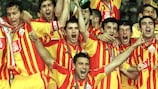 Galatasaray lift the 2000 UEFA Super Cup