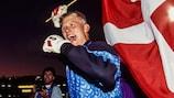 Peter Schmeichel feiert Dänemarks Triumph
