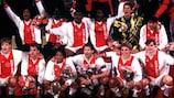 L'Ajax festeggia la vittoria della Supercoppa UEFA 1995