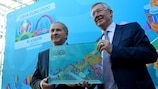 Sir Alex Ferguson (right) and SFA president Alan McRae at the Glasgow unveiling