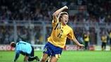 Thomas Brolin feiert das späte Siegtor der Schweden