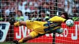 David Seaman fue decisivo para Inglaterra en la decisiva tanda de penaltis