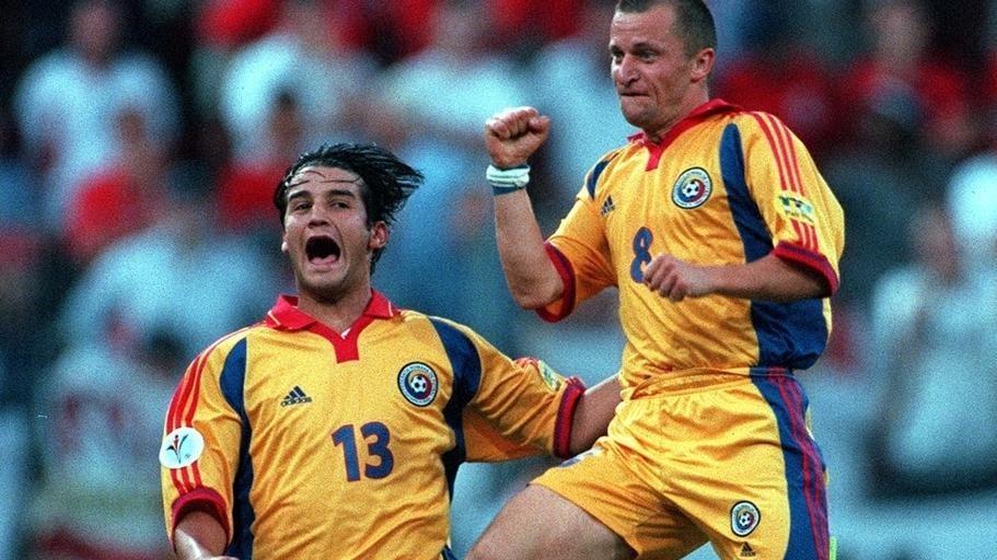 England-Romania   Late Romania penalty in Group A breaks England hearts at EURO 2000   UEFA EURO 2020   UEFA.com