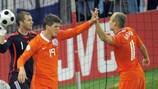 Klaas-Jan Huntelaar celebrates his goal with Arjen Robben