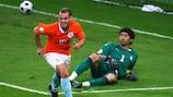 Wesley Sneijder fue uno de los goleadores del partido