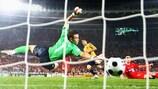 David Silva segna il terzo gol della Spagna