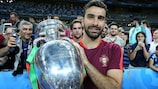 Rui Patrício with the trophy after Portugal's EURO 2016 final win