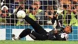 Bernard Lama, héros des Bleus dans la séance fatidique en quarts de finale en 1996 contre les Pays-Bas à Liverpool