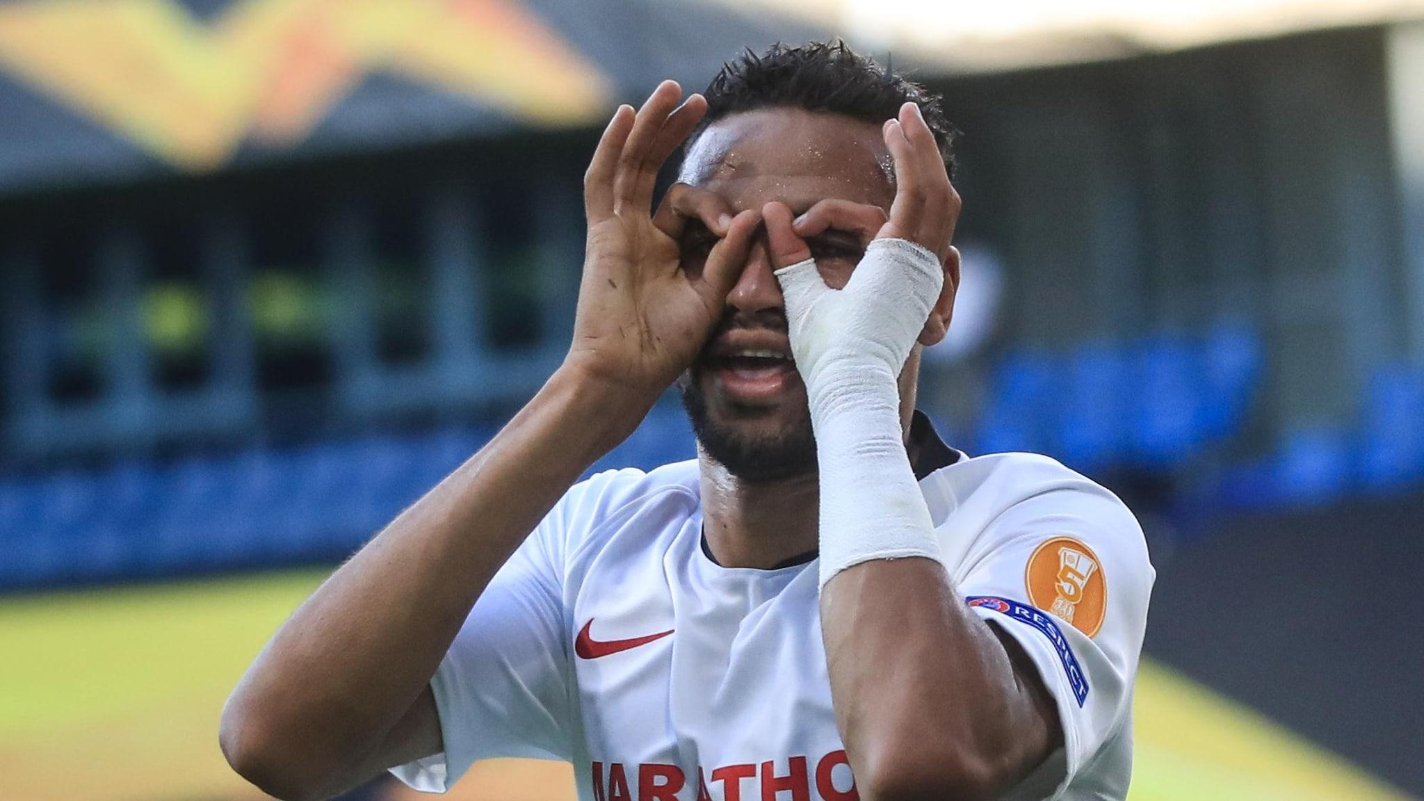 Sevilla 2 0 Roma Spanish Side Ease Into Last Eight Uefa Europa League Uefa Com