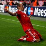 Un gol de Arjen Robben marcó la diferencia en aquel duelo de ida de las semifinales entre estos dos equipos.