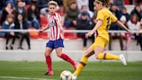 Atlético's Amanda Sampedro in action against Barcelona  earlier this year