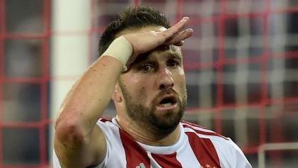 Olympiacos 2-0 Omonoia: Valbuena e El-Arabi deixam gregos na frente