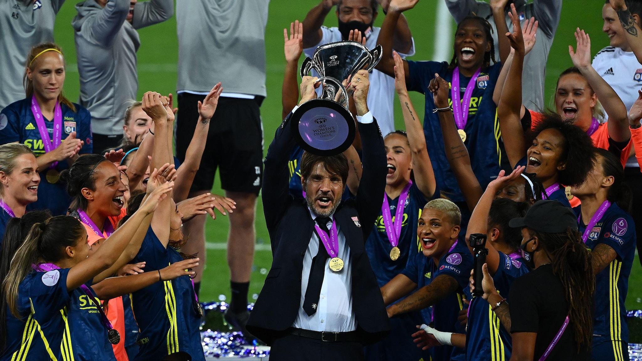 Жан-Люк Вассер - Лучший тренер сезона у женщин   Лига чемпионов УЕФА среди женщин   UEFA.com