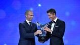 Robert Lewandowski fue premiado como Jugador del Año de la UEFA en 2019/20