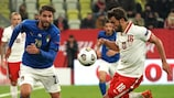 Marco Verratti  squares up to the Poland defence