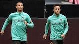 Cristiano Ronaldo e Diogo Jota durante um treino de Portugal