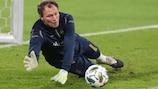 Ukraine goalkeeper Andrey Pyatov in training