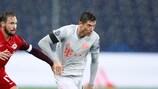 Salzburg's Andreas Ulmer pursues Bayern's Robert Lewandowski
