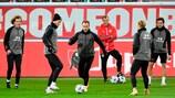 A selecção da Dinamarca durante um treino