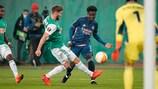 Rapid's Maximilian Hofmann confronts Arsenal's Bukayo Saka