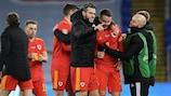 Gales garantiu a subida à Liga A