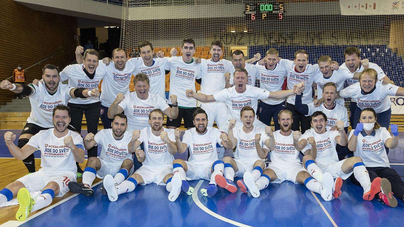 Czech Republic qualify, Serbia lead Finland
