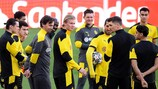 L'effectif du Borussia Dortmund entoure Erling Haaland