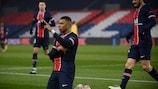 Kylian Mbappé esulta dopo il primo gol
