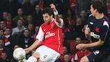 Cesc Fàbregas lets fly in Arsenal's 7-0 win against Slavia in 2007