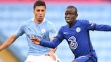 Rodri (City) et N'Golo Kanté en action en Premier League le98 mai