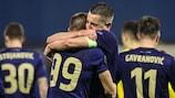 O Dínamo Zagreb festeja o terceiro e decisivo golo frente ao Tottenham