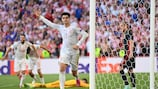 Alvaro Morata celebra após marcar o quarto golo da Espanha frente à Croácia