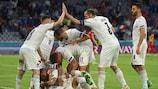 Итальянцы празднуют гол в матче 1/4 финала с Бельгией