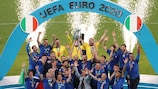 Italy's players celebrate with the European Championship trophy after Italy won the UEFA EURO 2020 final football match between Italy and England at the Wembley Stadium in London on July 11, 2021. (Photo by Catherine Ivill / POOL / AFP) (Photo by CATHERINE IVILL/POOL/AFP via Getty Images)