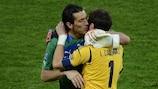 Gianluigi Buffon et Iker Casillas