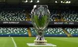 Le trophée de la Super Coupe de l'UEFA